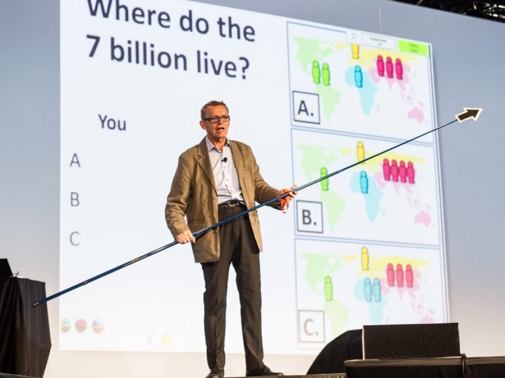 """H.Roslingas: """"galimybistas"""", į pasaulį žvelgęs atviromis akimis"""