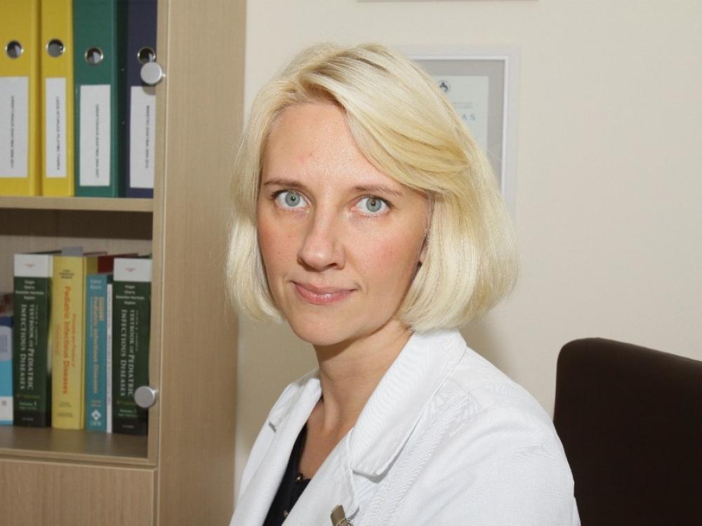 Privalomo skiepijimo idėją medikė vertina skeptiškai – siūlo šviesti tėvus