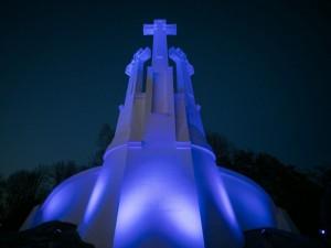 #LightItUpBlue - Lietuva šviečia(si)!