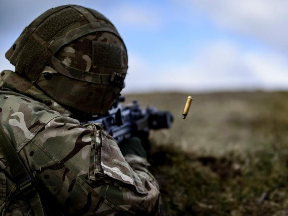 Krašto apsaugos ministerija svarsto papildomai skiepyti karius nuo tymų