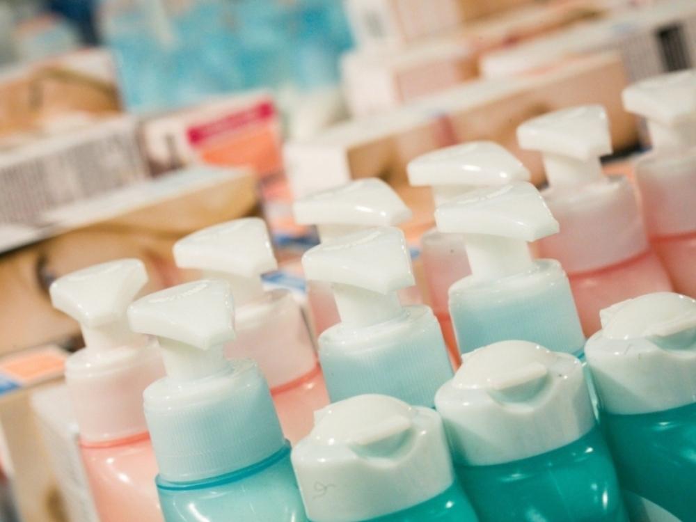 Natūralumo beieškant: ką slepia kosmetikos etiketės?