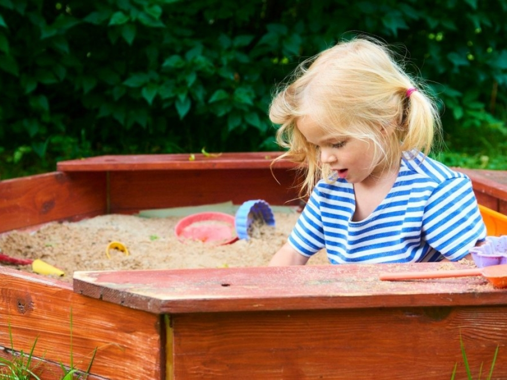 Smėlio dėžės pavojai mažiesiems