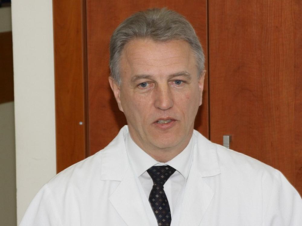 Buvusiam Santaros klinikų vadovui K. Strupui pareikšti įtarimai dėl kyšininkavimo
