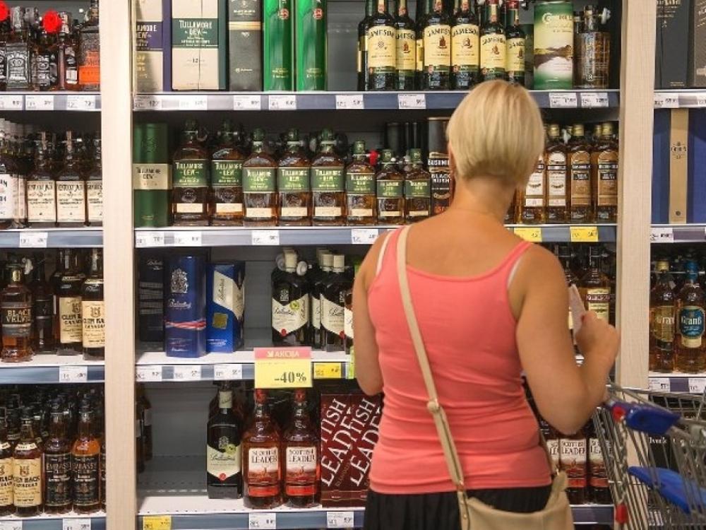 Statistikai: vienam gyventojui pernai teko 11,2 litro alkoholio