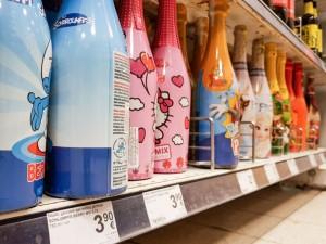 Seimas uždraudė Lietuvoje gaminti ir parduoti vaikišką šampaną