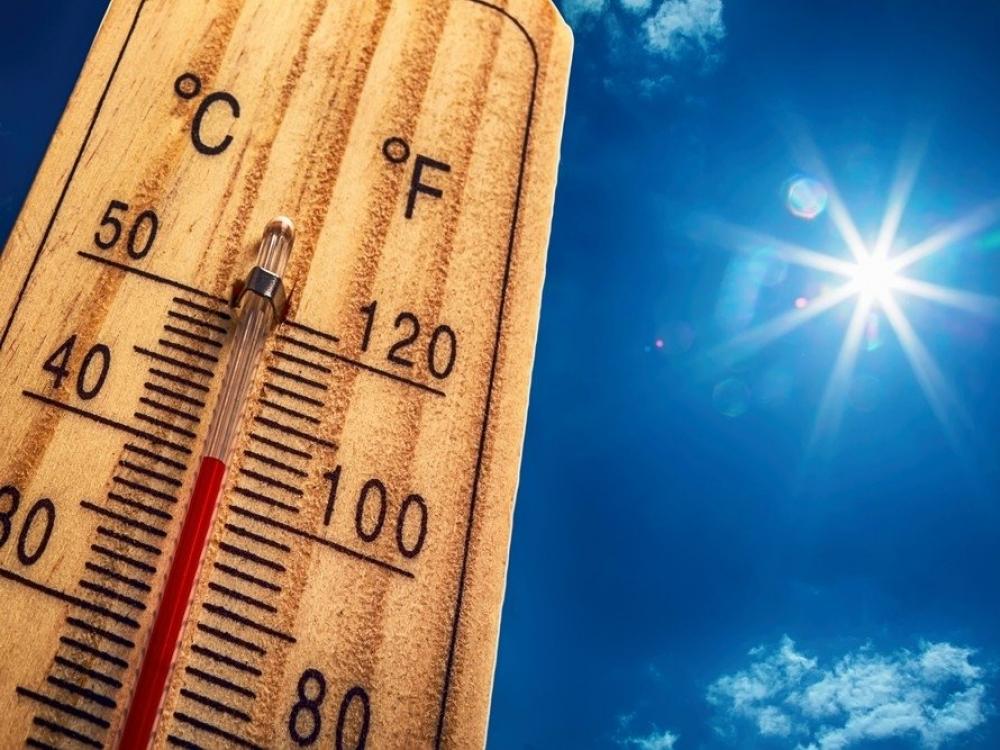 Medikai ir gelbėtojai perspėja gyventojus saugotis šilumos ir saulės smūgių