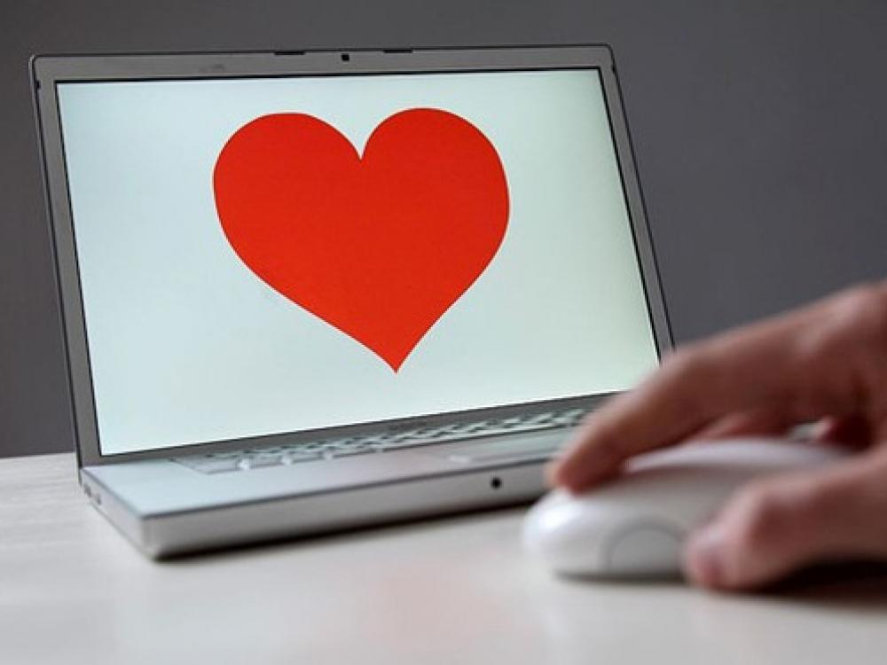 Kaip pažintis internete paversti realiais pasimatymais