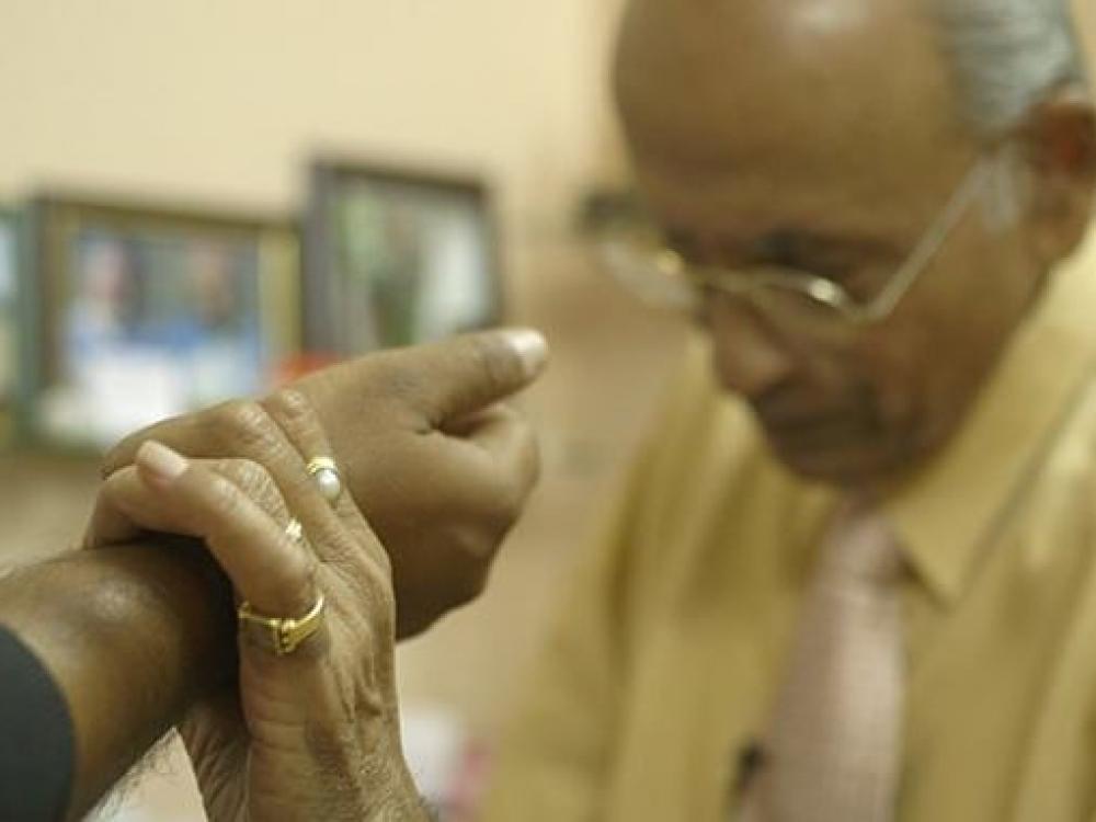 Indijoje ajurvedos pasekėjai tampa gydytojais
