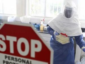 Ebola vis arčiau Lietuvos
