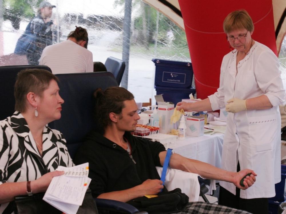 Grįžus šiltesniems orams ligoninėse vėl jaučiamas kraujo trūkumas