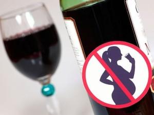 Tyrimas: alkoholį paskutinėmis nėštumo savaitėmis vartojo apie 3 proc. gimdyvių