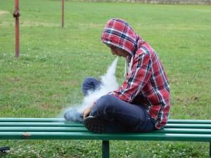 Tyrimas: gerokai išaugo elektronines cigaretes rūkančių mokinių skaičius