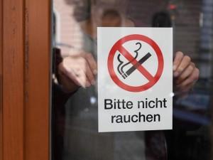 Austrijoje įsigaliojo draudimas rūkyti baruose ir restoranuose