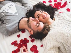 Meilės (ne)galima sukelti dirbtinai?