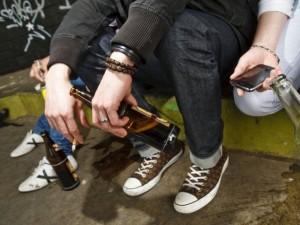 Paauglių žalingi įpročiai: šeštokai rūko, padaugėjo nuo marihuanos priklausomų jaunuolių