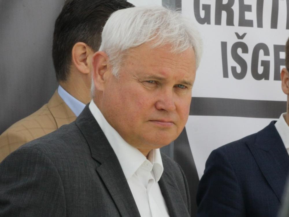 Klaipėdos meras V.Grubliauskas po Achilo sausgyslės operacijos nedirbs mažiausiai savaitę
