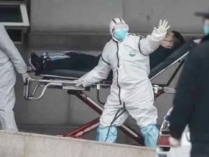 Kinijoje naujojo koronaviruso aukų skaičius perkopė 100