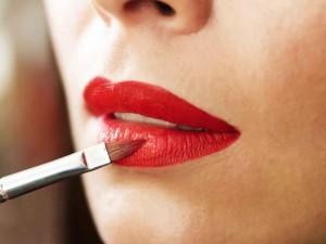 Lūpos – pasitikėjimo savimi atspindys
