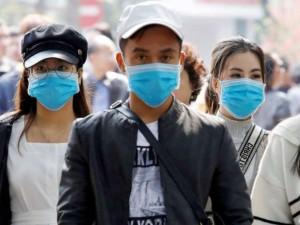 Tailando ministras siūlo išvaryti vakariečius turistus, nedėvinčius medicininių kaukių