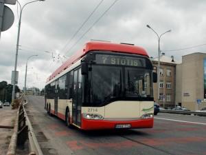Dėl koronaviruso grėsmės didieji miestai papildomai dezinfekuoja viešąjį transportą