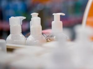 Verslas pasiruošęs gaminti dezinfekcinį skystį, SAM pagreitins leidimų išdavimą