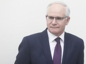 Švietimo ministras siūlys dviem savaitėms stabdyti ugdymo procesą