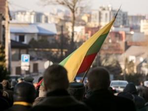 Seimo opozicija ragina mažiausiai dviem savaitėms uždrausti viešus renginius