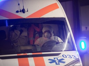 Iš Santaros klinikų pabėgo moteris su galimai koronavirusu užsikrėtusiu mažamečiu vaiku