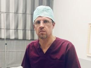 Pagalbos ranką Kaune tiesia ir plastikos chirurgai