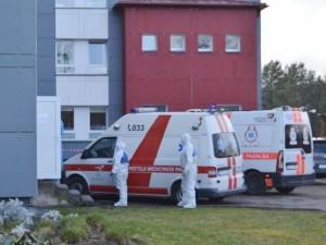 Kai kurios ligoninės lengva koronaviruso forma sergančius pacientus išleidžia gydytis namo