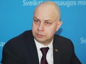 Dėl apsaugos priemonių trūkumo – ministro kaltinimai įstaigų vadovams