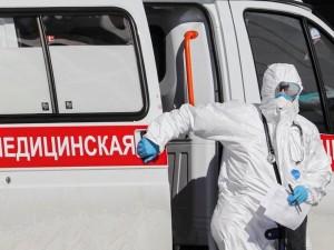 Rusijoje iškelta byla žinomai infektologei, kuri dirbo užsikrėtusi koronavirusu