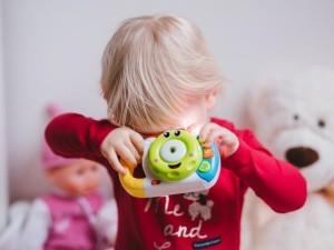 Tėvai raginami pasirūpinti, kas prižiūrės vaikus, jei jie užsikrės susirgs COVID-19