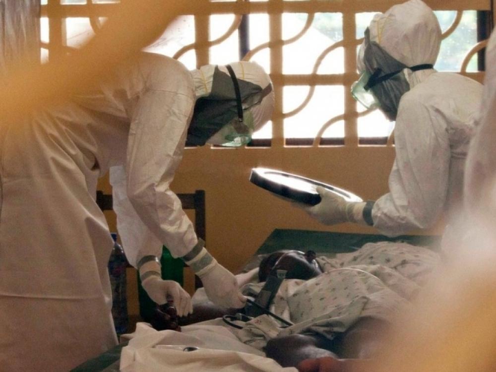 Ebola jau pareikalavo beveik pustrečio tūkstančio gyvybių