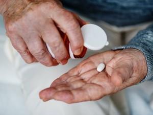 Karantino metu vaistai senjorams bus vežami į namus