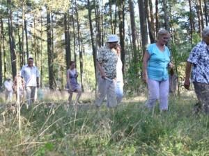 Senjorų vaikščiojimo grupės juda ir rudenį
