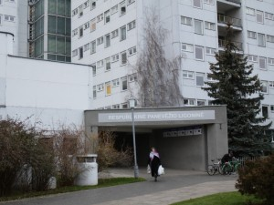 Po pakartotinių neigiamų koronaviruso atsakymų, į darbą grįžta apie 30 Panevėžio medikų