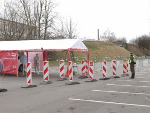 Šalyje mobilūs koronaviruso punktai prie ankstesnių pajėgumų grįš antradienį