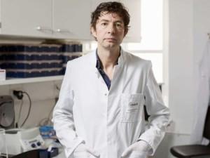 Vokiečių mokslininkas koronaviruso ištakų ieškotų usūrinių šunų veisyklose