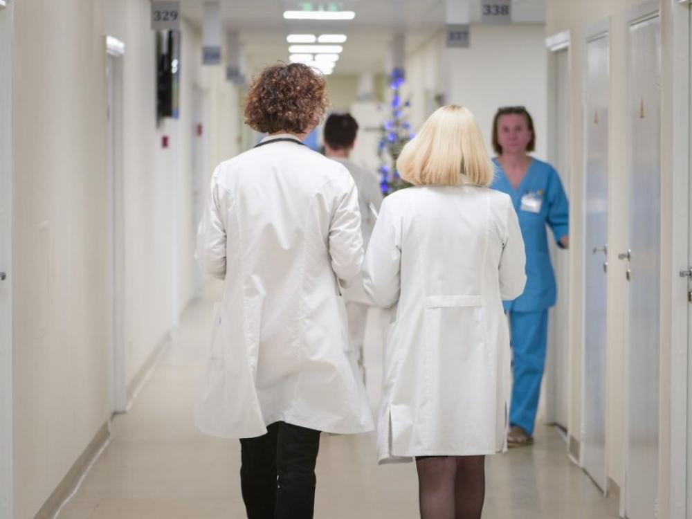 Seimas 15 proc. pakėlė gydytojų rezidentų atlyginimus