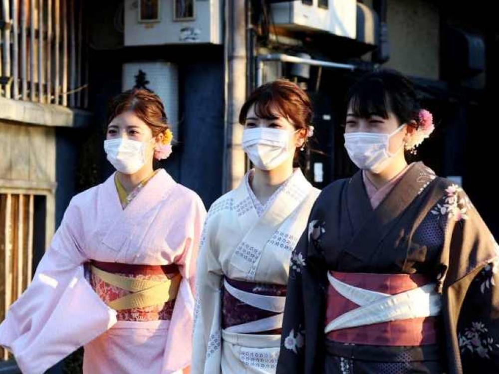Japonijoje balandį sumažėjo savižudybių