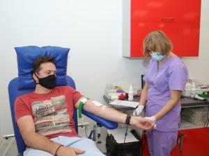 Būk geras, duok kraujo!