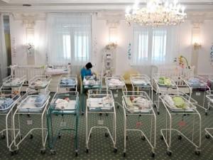 Karantinas atskleidė surogatinės motinystės mastą Ukrainoje
