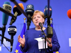 Angela Merkel veikia lėtai, bet užtikrintai