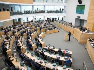 Ką per pavasario sesiją nuveikė Seimo nariai?