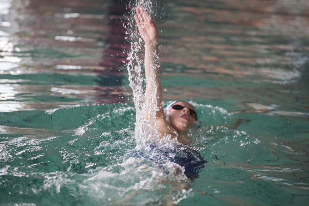 Plaukimo trenerė: gebėti laikytis ant vandens yra viena, o gerai plaukti - visai kas kita