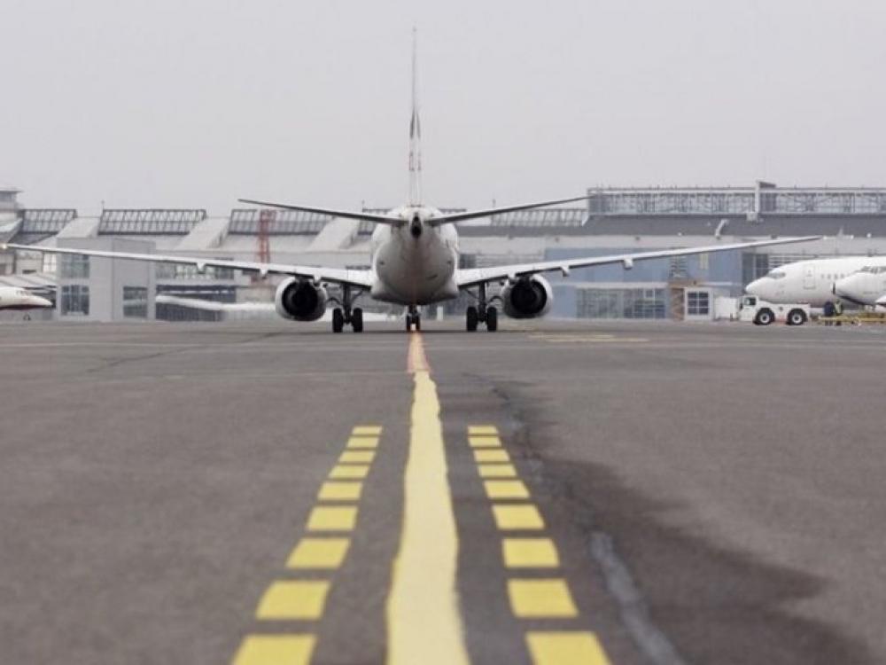 Nuo pirmadienio grįžtantieji iš užsienio lėktuvais ir keltais privalės registruotis NVSC
