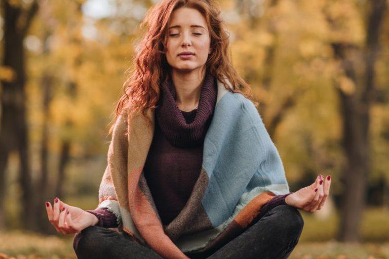 Psichosomatika: nuo migrenos iki drugelių pilve