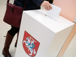 Ministerija specialiuose punktuose leis balsuoti ir saviizoliacijoje esantiems rinkėjams