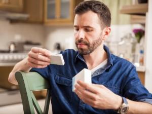 Tyrimas: kas antras lietuvis pasenusiais vaistais atsikrato netinkamai